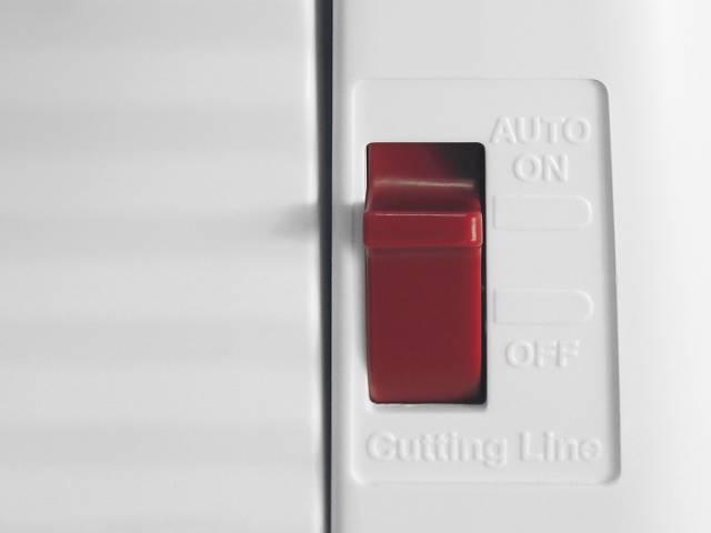 Botón de encendido o apagado de luz LED para corte preciso