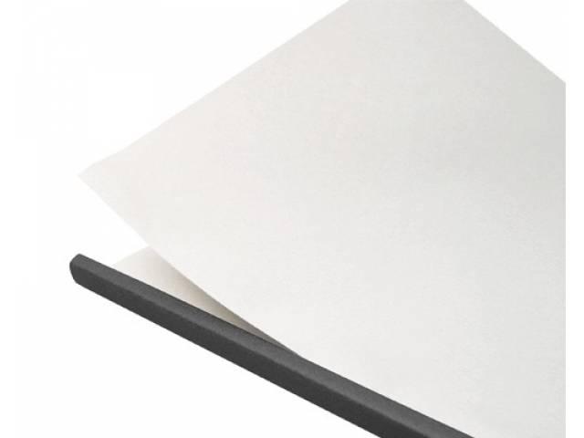 Con guía de papel desprendible.